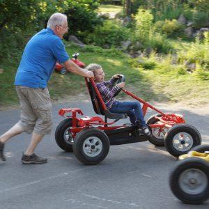 Kart, Opa, Enkelin, Urlaub, Spaß, Hotel Dresden