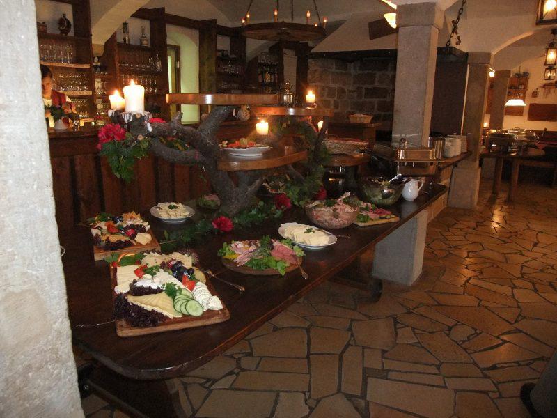 buffet, restaurant meißen, gastraum, hotel dresden
